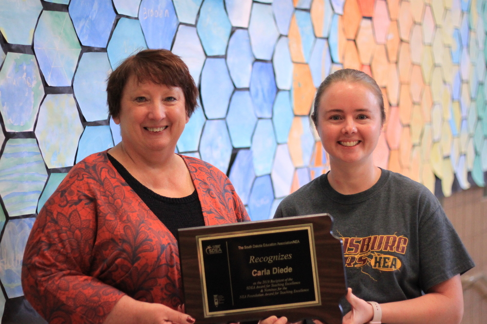 Tiger Teacher Receives 2019 SDEA Teacher of Excellence Award
