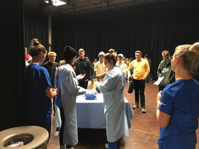 HHS students exploring health careers