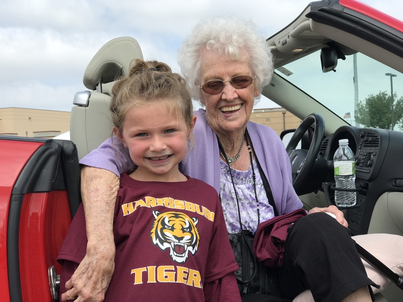 Harrisburg's Oldest & Youngest Tigers Celebrate Homecoming