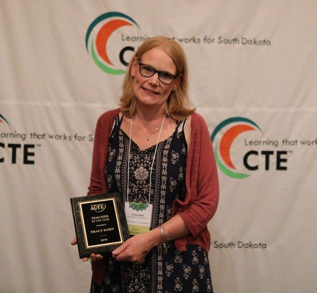 Tracy Kern Receives Teacher of the Year Award
